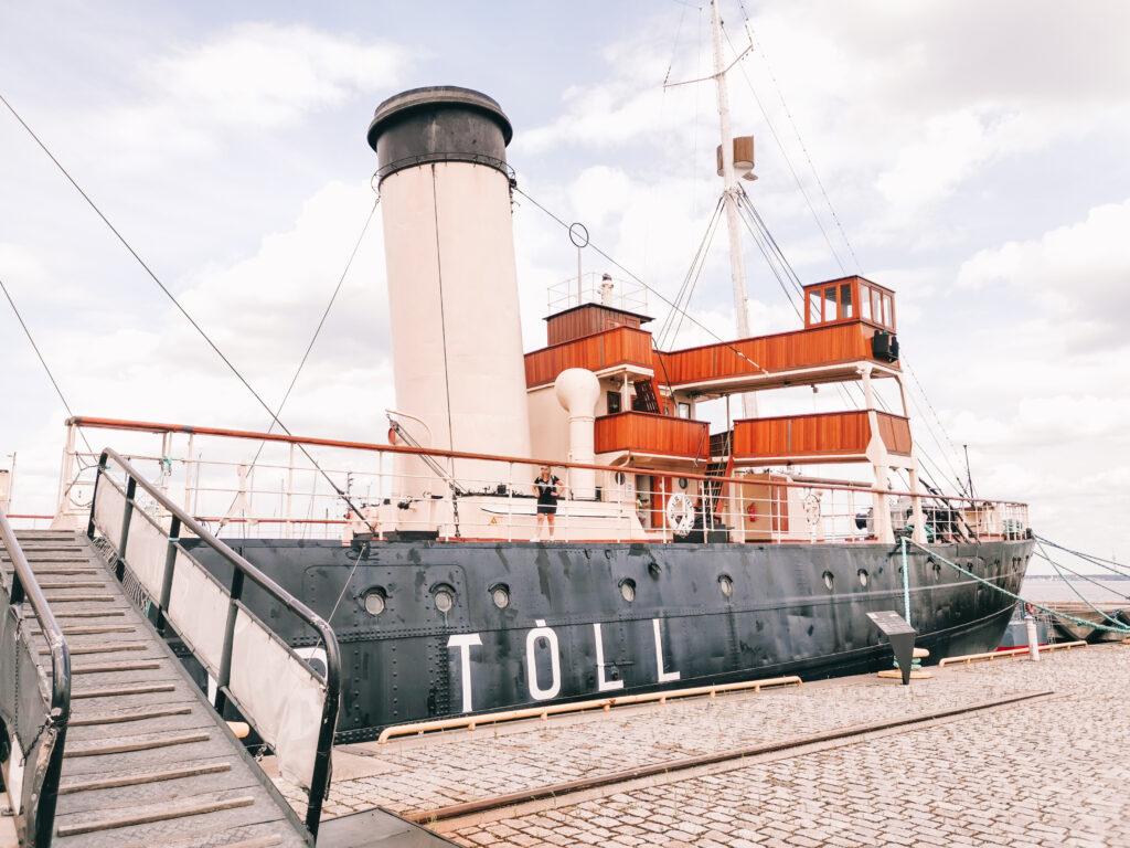 Vanha laiva Suur Töll Nobblessner Tallinna Lentosatama